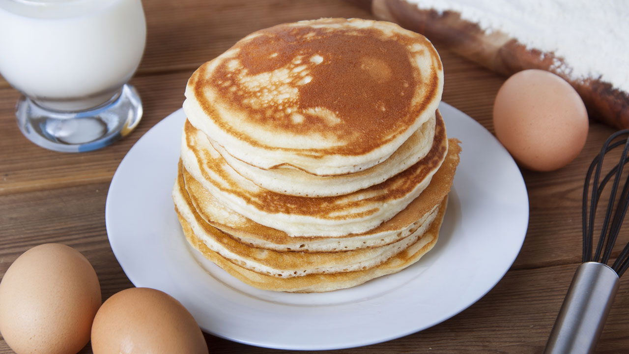 easy-fluffy-pancakes