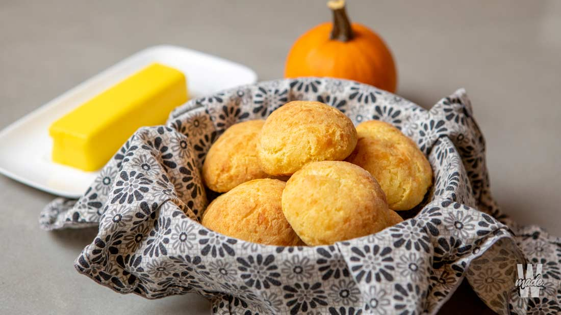 keto-bread-rolls
